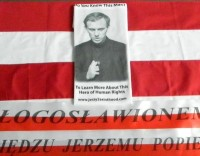 Father Jerzy T-shirt, Do you know this man